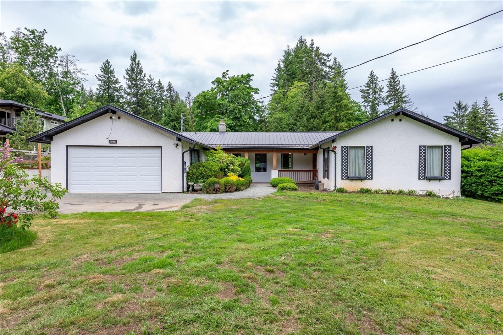 Main Photo: 4768 Wimbledon Rd in : CR Campbell River South House for sale (Campbell River)  : MLS®# 877100