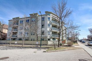 Photo 2: 202 2 14 Street NW in Calgary: Hillhurst Apartment for sale : MLS®# A1094685
