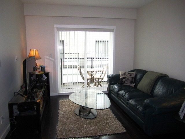 Photo 4: Photos: 307 7777 ROYAL OAK AVENUE in Burnaby: South Slope Condo for sale (Burnaby South)  : MLS®# R2062164