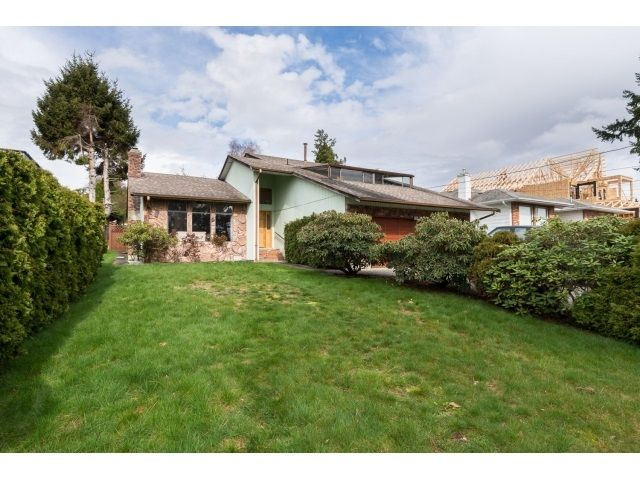 Main Photo: 13249 14A Avenue in Surrey: Crescent Bch Ocean Pk. House for sale (South Surrey White Rock)  : MLS®# R2044545