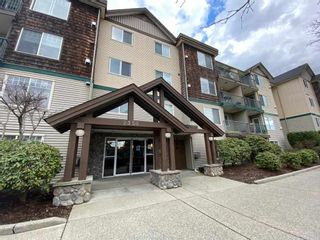"""Photo 1: 103 2350 WESTERLY Street in Abbotsford: Abbotsford West Condo for sale in """"STONECRAFT ESTATES"""" : MLS®# R2553689"""