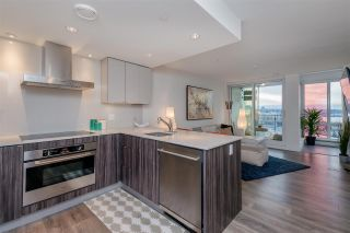 """Photo 8: 1409 1788 COLUMBIA Street in Vancouver: False Creek Condo for sale in """"Epic at West"""" (Vancouver West)  : MLS®# R2392931"""