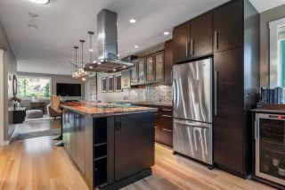 """Photo 3: 205 1530 MARINER Walk in Vancouver: False Creek Condo for sale in """"Mariner Point"""" (Vancouver West)  : MLS®# R2504408"""