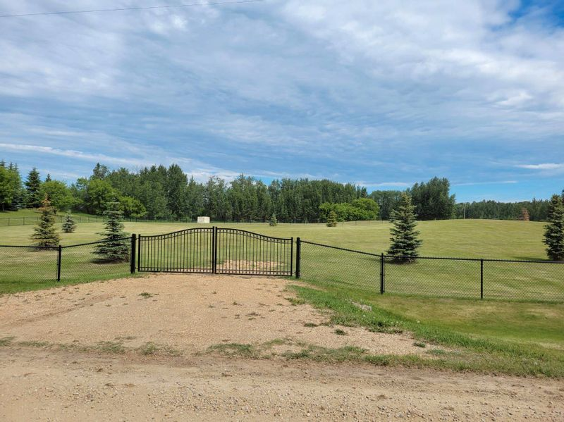 FEATURED LISTING: 1A 51310 RGE RD 261 Rural Parkland County