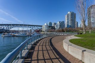 "Photo 33: 1802 638 BEACH Crescent in Vancouver: Yaletown Condo for sale in ""Icon"" (Vancouver West)  : MLS®# R2538936"