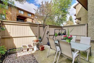 Photo 44: 24 GLAMIS Gardens SW in Calgary: Glamorgan Row/Townhouse for sale : MLS®# A1077235