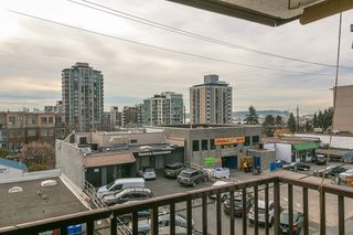 """Photo 14: 207 131 W 4TH Street in North Vancouver: Lower Lonsdale Condo for sale in """"NOTTINGHAM PLACE"""" : MLS®# R2221675"""