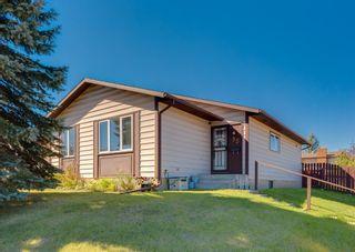 Main Photo: 35 Beddington Drive NE in Calgary: Beddington Heights Detached for sale : MLS®# A1145132