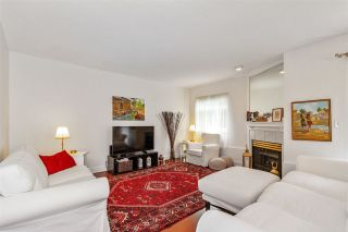 Photo 5: 24 888 W 16 STREET in North Vancouver: Mosquito Creek Townhouse for sale : MLS®# R2472821