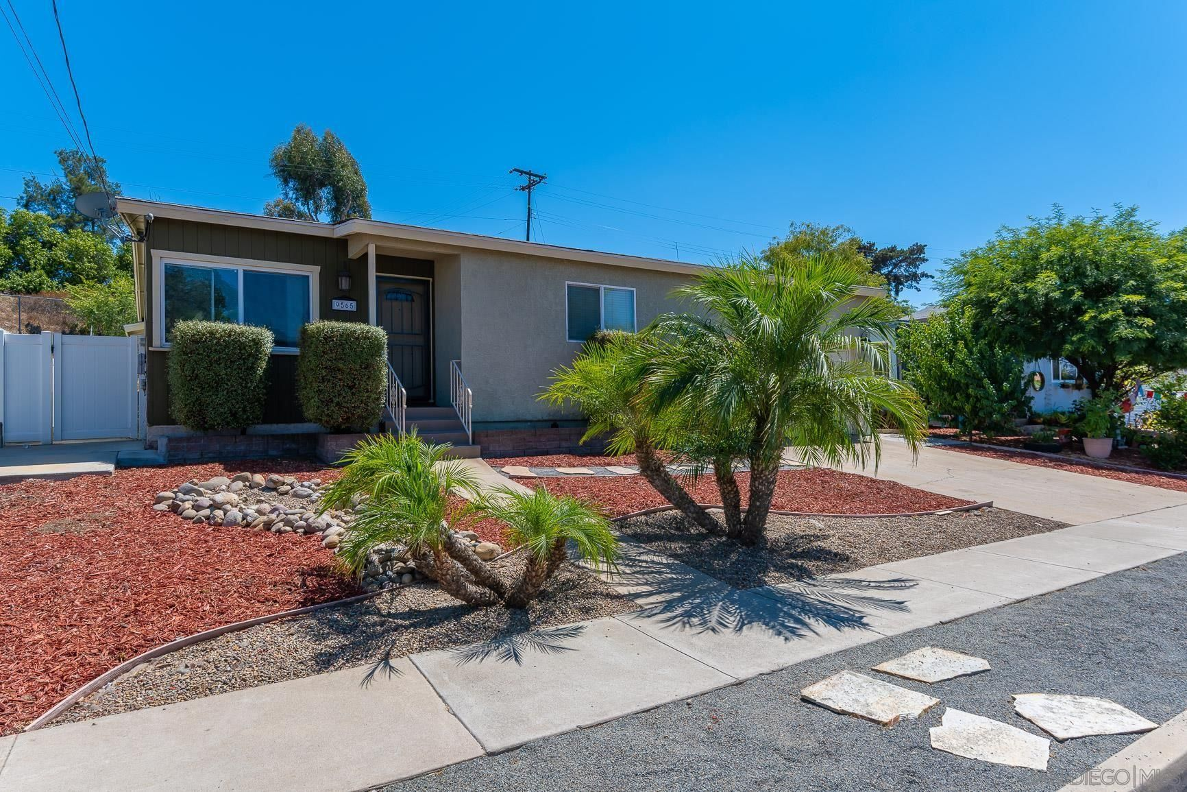 Main Photo: LA MESA House for sale : 4 bedrooms : 9565 Janfred Wy