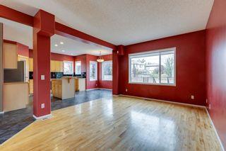 Photo 5: 636 Douglas Glen Boulevard SE in Calgary: Douglasdale/Glen Detached for sale : MLS®# A1139792