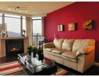"""Photo 4: 2605 867 HAMILTON Street in Vancouver: Downtown VW Condo for sale in """"JARDINE'S LOOKOUT"""" (Vancouver West)  : MLS®# V779994"""