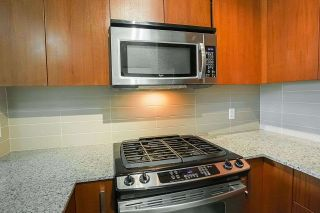 "Photo 8: 407 5885 IRMIN Street in Burnaby: Metrotown Condo for sale in ""Macpherson Walk"" (Burnaby South)  : MLS®# R2500930"