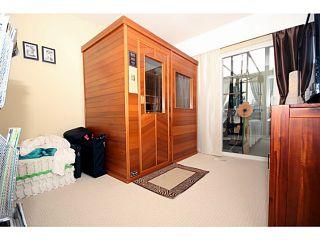"Photo 12: 458 SHANNON Way in Tsawwassen: Pebble Hill House for sale in ""TSAWWASSEN HEIGHTS"" : MLS®# V1052172"