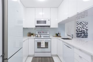 """Photo 6: 103 929 W 16TH Avenue in Vancouver: Fairview VW Condo for sale in """"Oakview Gardens"""" (Vancouver West)  : MLS®# R2369711"""