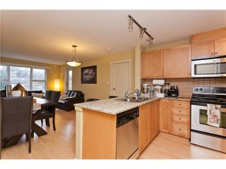 """Photo 4: 710 415 E COLUMBIA Street in New Westminster: Sapperton Condo for sale in """"SAN MARINO"""" : MLS®# V1003972"""