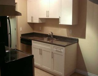 "Photo 3: 588 E 5TH Ave in Vancouver: Mount Pleasant VE Condo for sale in ""MCGREGOR HOUSE"" (Vancouver East)  : MLS®# V616777"