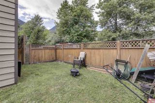 Photo 19: 1025 BROTHERS Place in Squamish: Northyards 1/2 Duplex for sale : MLS®# R2373041