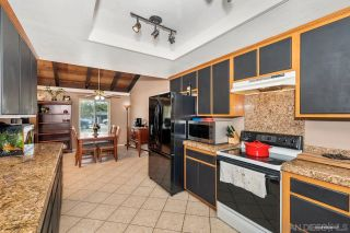 Photo 8: RAMONA House for sale : 3 bedrooms : 23526 Bassett Way