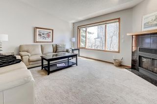 Photo 3: 1412 Costello Boulevard SW in Calgary: Christie Park Semi Detached for sale : MLS®# A1099320