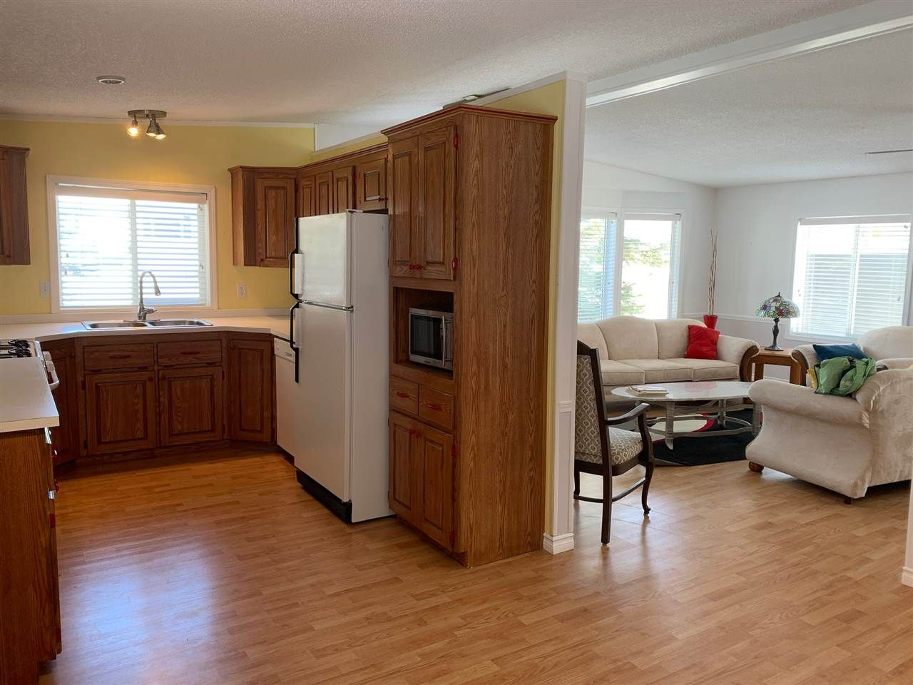 """Photo 14: Photos: 3935 COTTONWOOD Road in Fort Nelson: Fort Nelson -Town Manufactured Home for sale in """"EAST DUB"""" (Fort Nelson (Zone 64))  : MLS®# R2479630"""