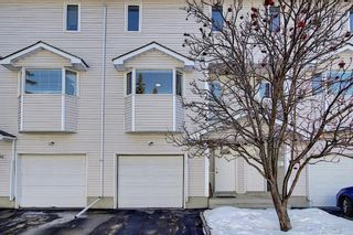 Photo 2: 96 Glenbrook Villas SW in Calgary: Glenbrook Row/Townhouse for sale : MLS®# A1072374
