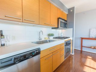 "Photo 11: 701 2770 SOPHIA Street in Vancouver: Mount Pleasant VE Condo for sale in ""STELLA"" (Vancouver East)  : MLS®# R2555466"