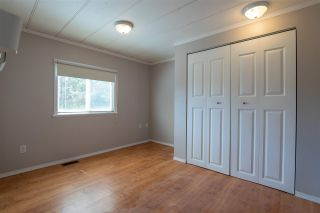 Photo 5: 8 8680 CASTLE Road in Prince George: Sintich Manufactured Home for sale (PG City South East (Zone 75))  : MLS®# R2586078