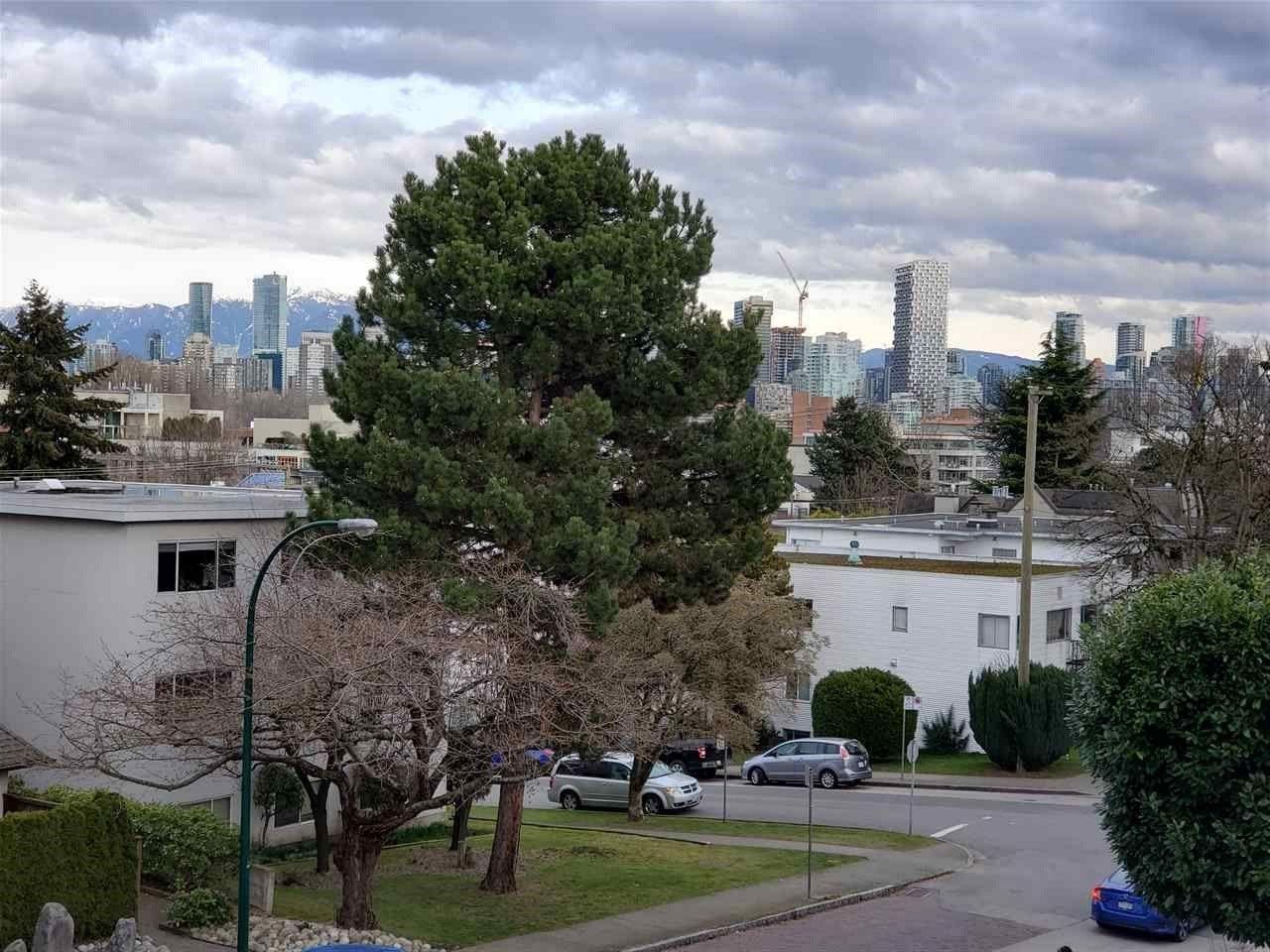"""Main Photo: 301 2028 W 3RD Avenue in Vancouver: Kitsilano Condo for sale in """"KITSILANO STEAMBOAT"""" (Vancouver West)  : MLS®# R2547761"""