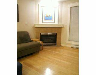 "Photo 4: 8495 JELLICOE Street in Vancouver: Fraserview VE Condo for sale in ""RIVERGATE"" (Vancouver East)  : MLS®# V629760"