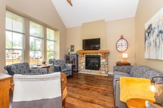 """Photo 6: 43409 BLUE GROUSE Lane: Lindell Beach House for sale in """"THE COTTAGES AT CULTUS LAKE"""" (Cultus Lake)  : MLS®# R2617091"""