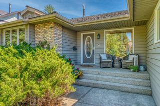 Photo 2: 72 Edelweiss Drive NW in Calgary: Edgemont Detached for sale : MLS®# A1125940