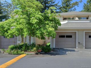 Photo 1: 29 850 Parklands Dr in VICTORIA: Es Gorge Vale Row/Townhouse for sale (Esquimalt)  : MLS®# 788300