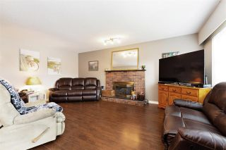 Photo 3: 6245 180A Street in Surrey: Cloverdale BC House for sale (Cloverdale)  : MLS®# R2555618