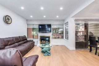 """Photo 8: 4687 GARDEN GROVE Drive in Burnaby: Greentree Village Townhouse for sale in """"Greentree Village"""" (Burnaby South)  : MLS®# R2589721"""