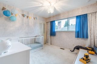 Photo 10: 1205 EASTVIEW Road in North Vancouver: Westlynn House for sale : MLS®# R2409324