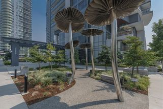 """Photo 2: 3801 4900 LENNOX Lane in Burnaby: Metrotown Condo for sale in """"THE PARK"""" (Burnaby South)  : MLS®# R2609917"""