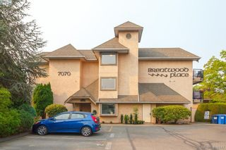 Photo 1: 105 7070 West Saanich Rd in BRENTWOOD BAY: CS Brentwood Bay Condo for sale (Central Saanich)  : MLS®# 811148