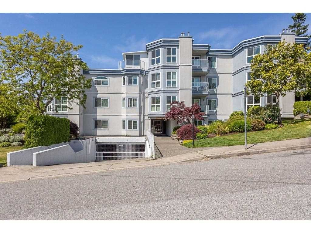 """Main Photo: 101 15941 MARINE Drive: White Rock Condo for sale in """"The Heritage"""" (South Surrey White Rock)  : MLS®# R2591259"""