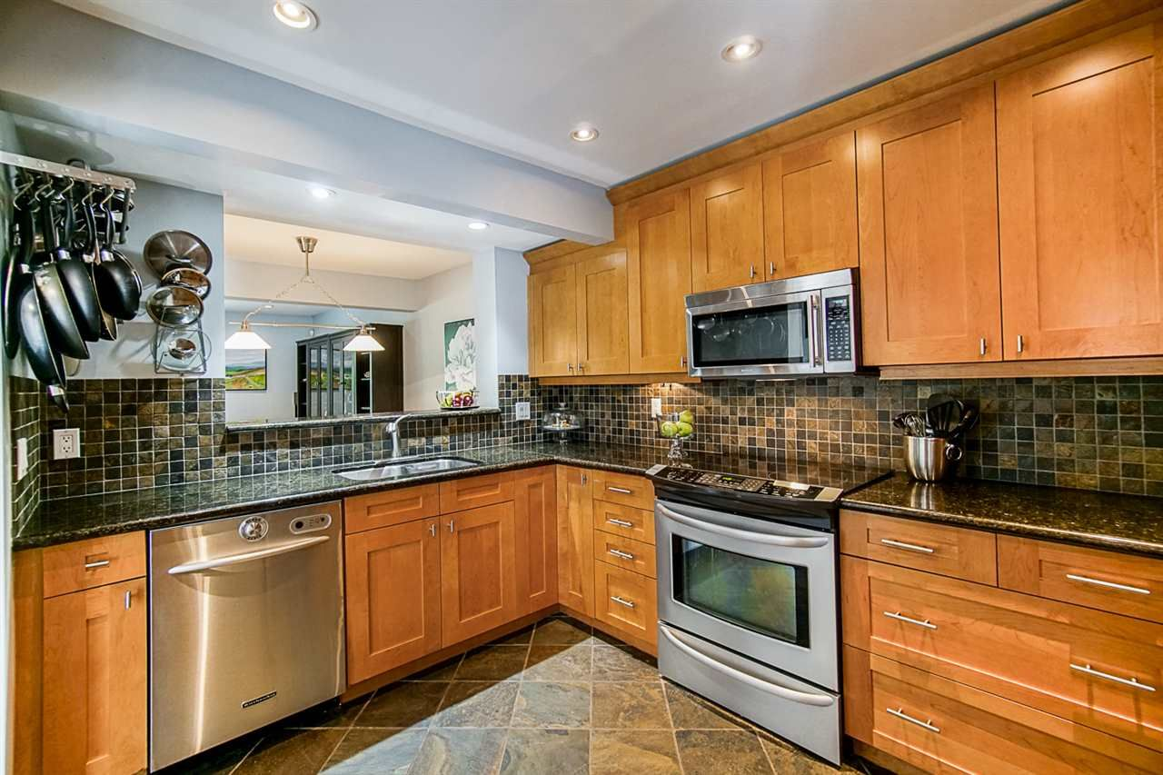 """Photo 11: Photos: 1 1960 RUFUS Drive in North Vancouver: Westlynn Townhouse for sale in """"Mountain Estates"""" : MLS®# R2487288"""