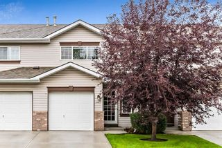Photo 2: 56 Somervale Park SW in Calgary: Somerset Row/Townhouse for sale : MLS®# A1140021