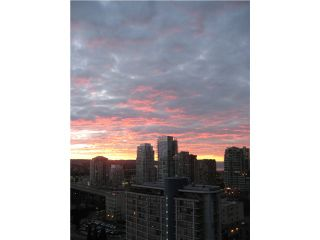 "Photo 2: 2001 1295 RICHARDS Street in Vancouver: Downtown VW Condo for sale in ""OSCAR"" (Vancouver West)  : MLS®# V839014"