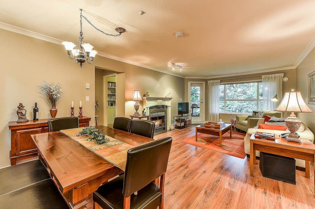 "Main Photo: 304 9018 208 Street in Langley: Walnut Grove Condo for sale in ""Cedar Ridge"" : MLS®# R2341445"