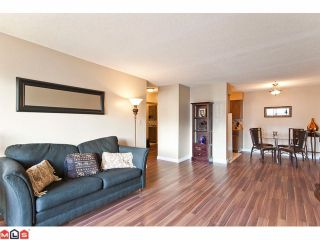 "Photo 5: 309 1520 BLACKWOOD Street: White Rock Condo for sale in ""Blue Surf"" (South Surrey White Rock)  : MLS®# F1128093"