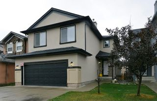 Photo 1: 151 SADDLECREST Gardens NE in Calgary: Saddle Ridge House for sale : MLS®# C4138096