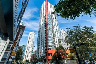 """Photo 1: 904 1211 MELVILLE Street in Vancouver: Coal Harbour Condo for sale in """"The Ritz"""" (Vancouver West)  : MLS®# R2617384"""