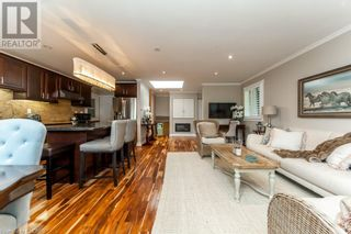 Photo 8: 76 CULHAM Street in Oakville: House for sale : MLS®# 40175960
