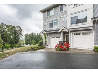 "Photo 2: 12 7198 179 Street in Surrey: Cloverdale BC Townhouse for sale in ""WALNUT RIDGE"" (Cloverdale)  : MLS®# R2352864"
