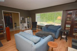 Photo 5: 7787 Wallace Dr in SAANICHTON: CS Saanichton House for sale (Central Saanich)  : MLS®# 795175