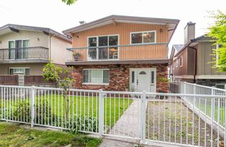 Photo 1: 4105 CAMBRIDGE STREET in Burnaby: Vancouver Heights House for sale (Burnaby North)  : MLS®# R2412305